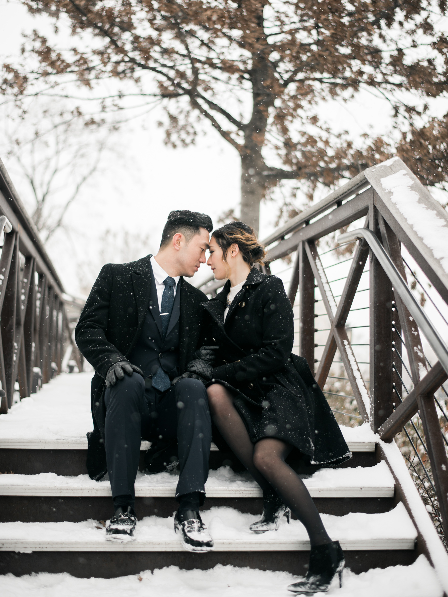 philadelphia engagement, philadelphia wedding photographer, destination wedding photographer, snowy winter engagement, museum of art engagement, philadelphia fine art wedding photographer
